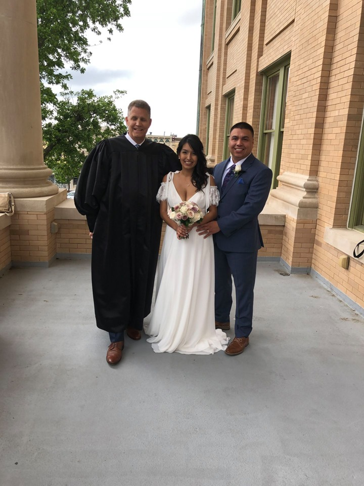 Judge Gravell wedding Williamson County Courthouse